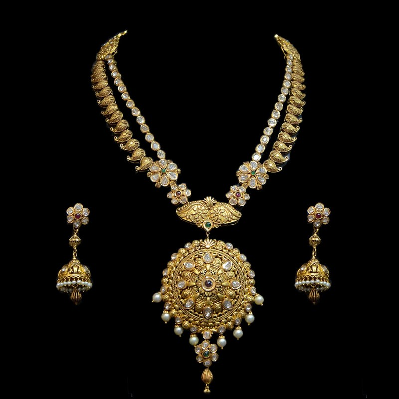 Temple Gold Mohagony Necklace Set