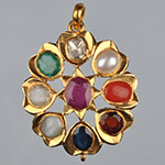 Kundan Lockets,Mangatrai,8.520gms Kundan Locket in 22kt. Gold