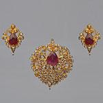Polki Locket Sets,Mangatrai,3.74ct. Polki Locket Set in 22kt. Gold